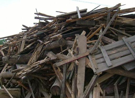 木材粉碎机厂家说一下废旧木材的用途